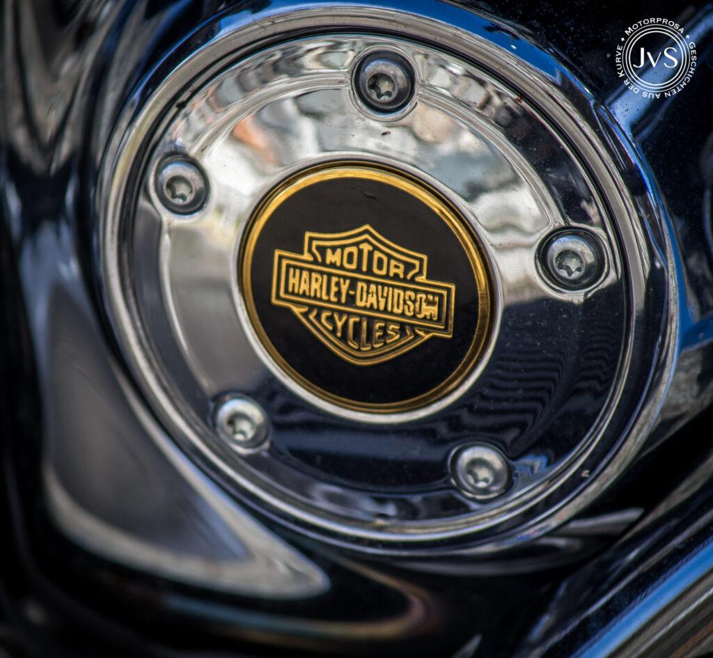Das Chrom glänzt – soll ich nochmal fahren? (www.motorprosa.com)